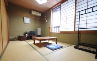 写真:客室 ぶな(6畳)