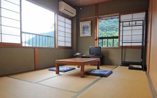 写真:客室 りんどう(6畳)
