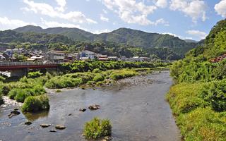 写真:日野川